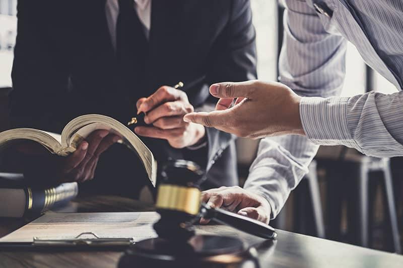 Comment changer d'avocat pendant une succession ?