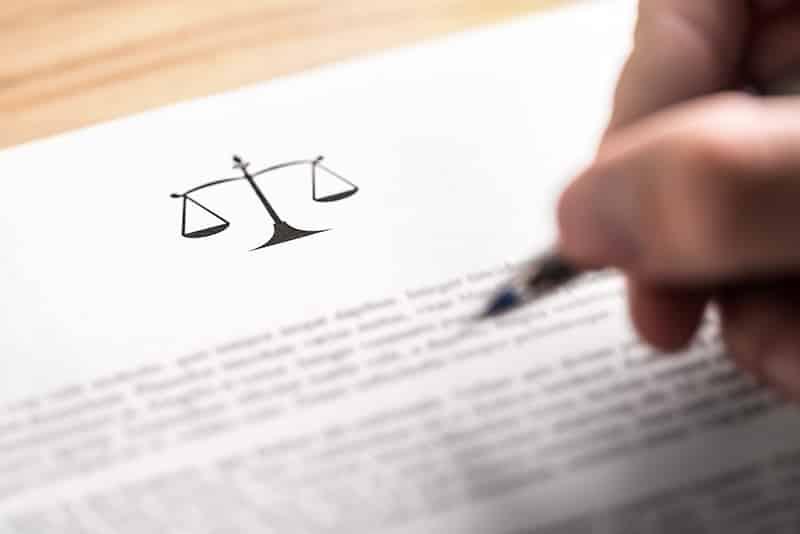 Comment contester la clause bénéficiaire d'une assurance-vie ?